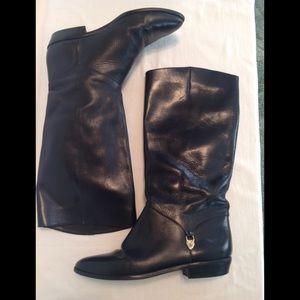 Vtg. Etienne Aigner black leather riding boot.EUC